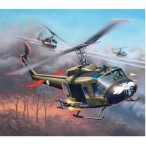 Revell 04983 Bell UH-1H Gunship 1/100