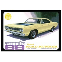 AMT 1968 Plymouth Roadrunner WHITE AMT821 1/25