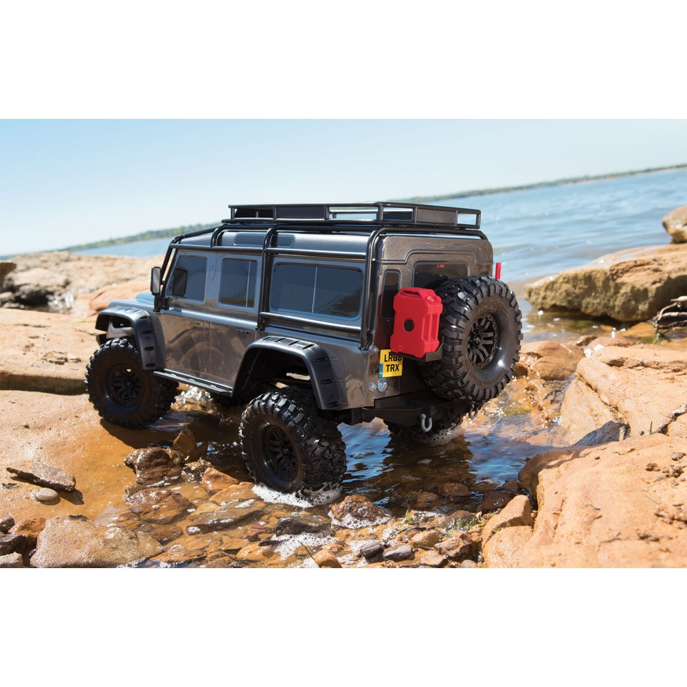 traxxas land rover defender crawler 110 trx 4 ruby red c trx82056 4. Black Bedroom Furniture Sets. Home Design Ideas